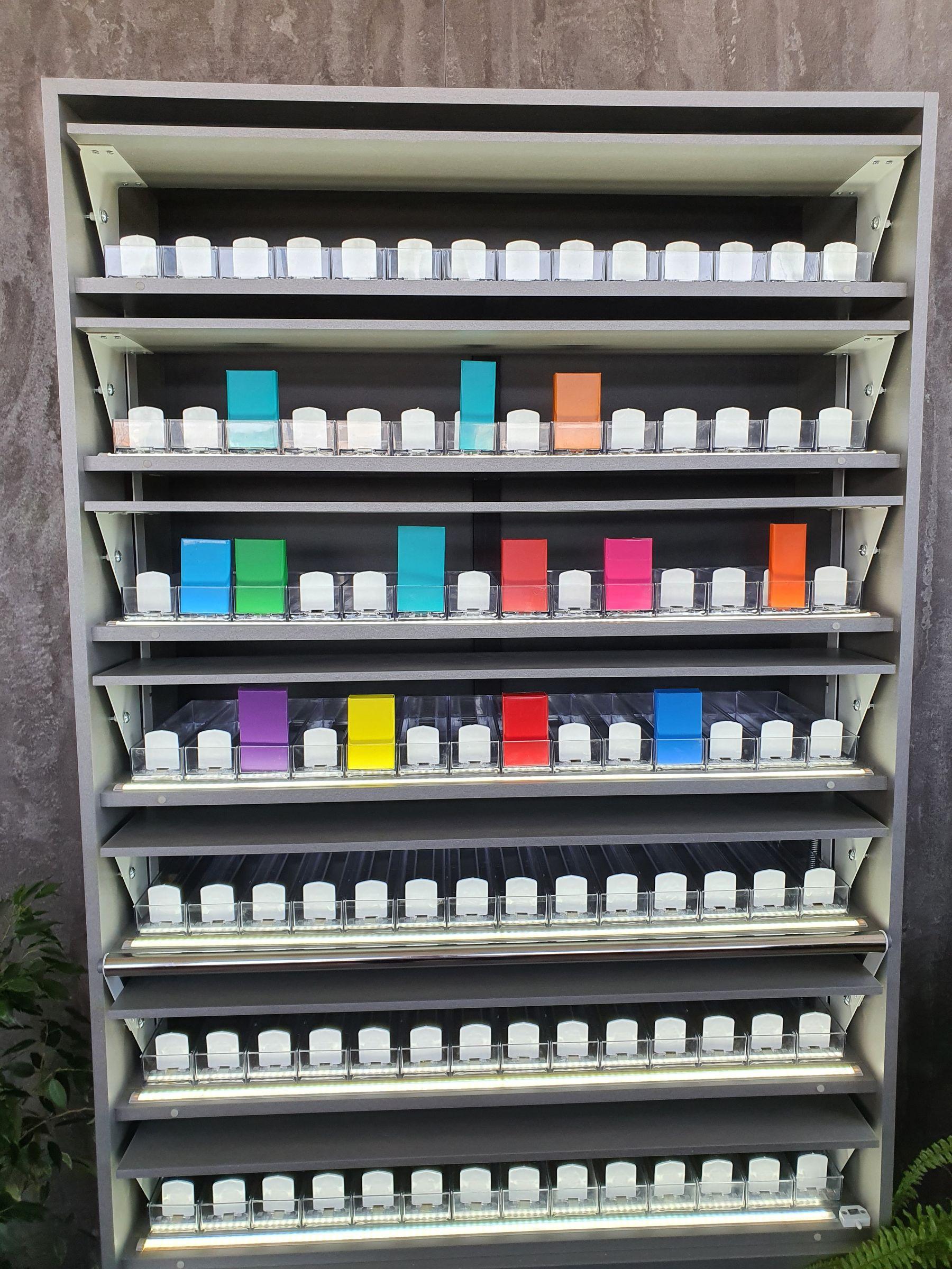 Торговое оборудование шкаф для сигарет купить казань сигарета джул купить
